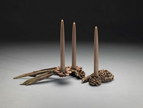 pine-cone-branch-centerpiece